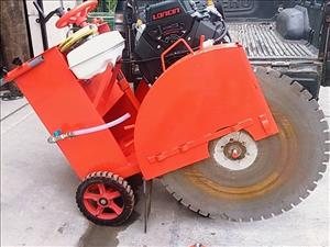 Concrete cutting machine Diesel road car for rent